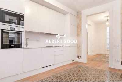 Renovated Flat in a Listed Property